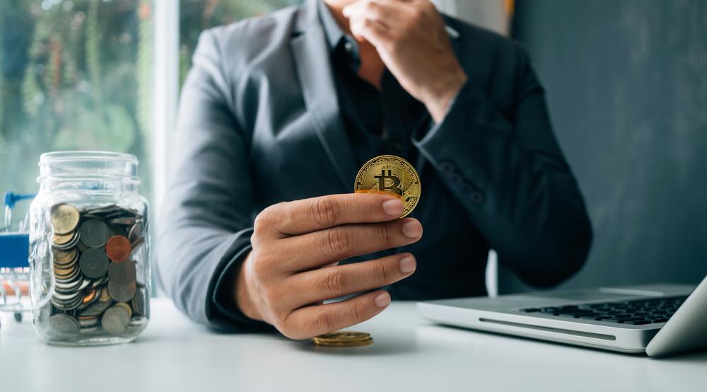 JPMorgan CEO Jamie Dimon Slams Bitcoin and Calls it Worthless